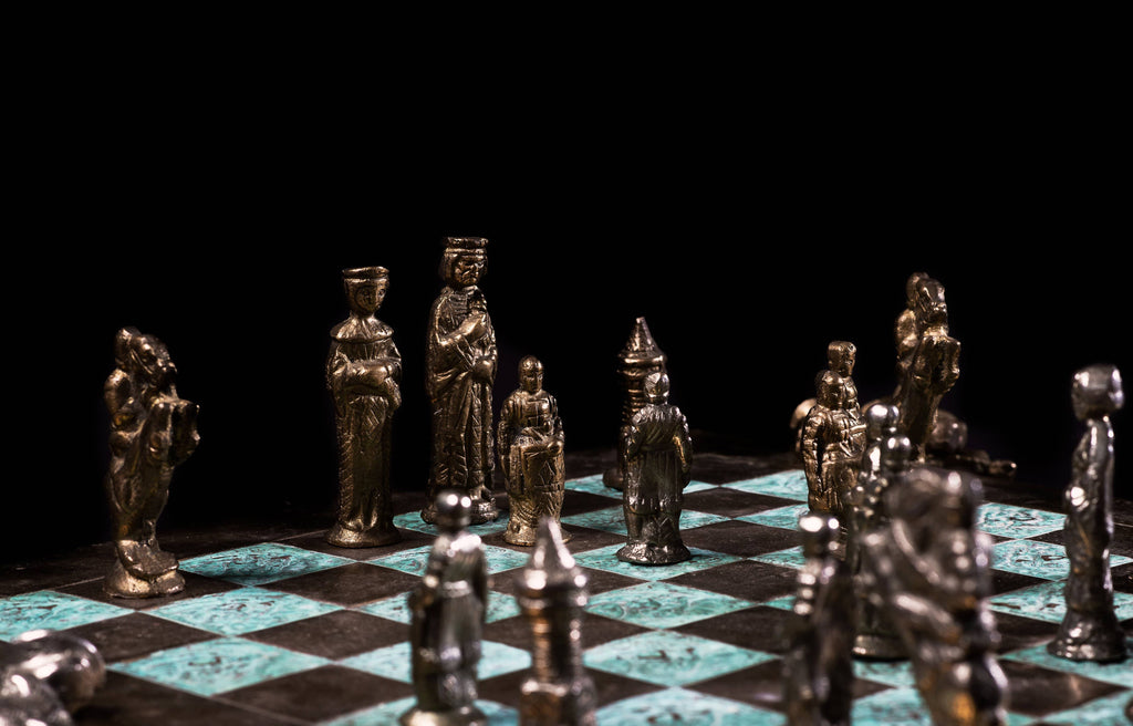 King and queen protected pawns