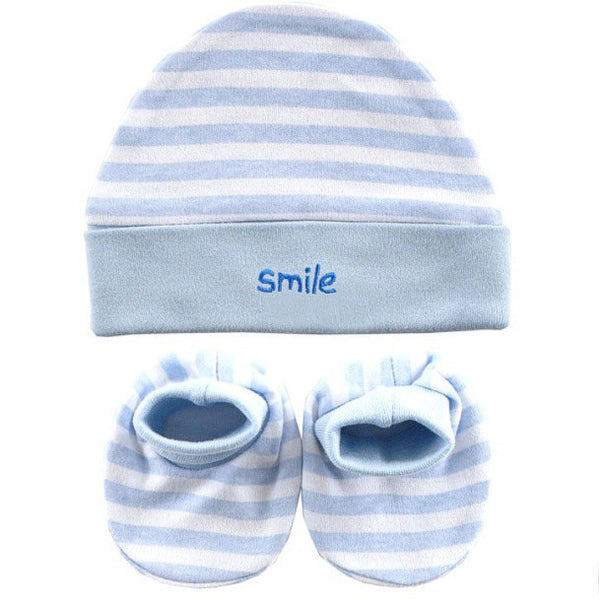 Luvable Friends Cap and Booties Set, Blue