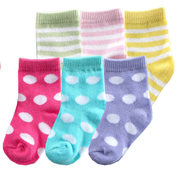 Luvable Friends Newborn and Baby Socks Set, Pink Purple