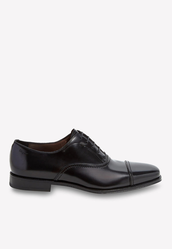 Seul Cap-Toe Oxford Shoes in Calfskin