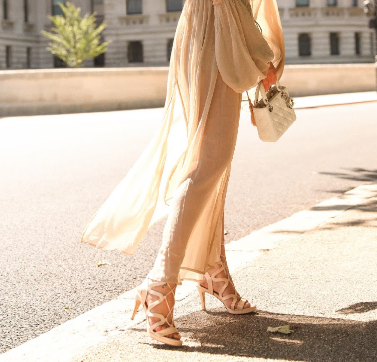 Chic Light Nude
