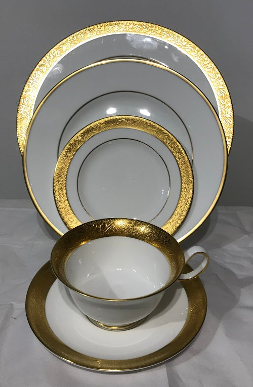 Wedgwood Ascot 4 Place Settings