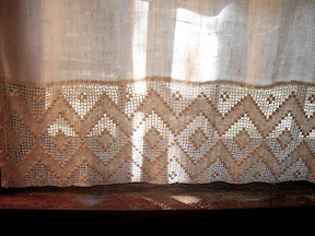 downstairs-bath-linen-cafe-panel-with-crochet.jpg