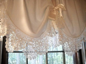 window-topper-from-round-tablecloth-db.jpg