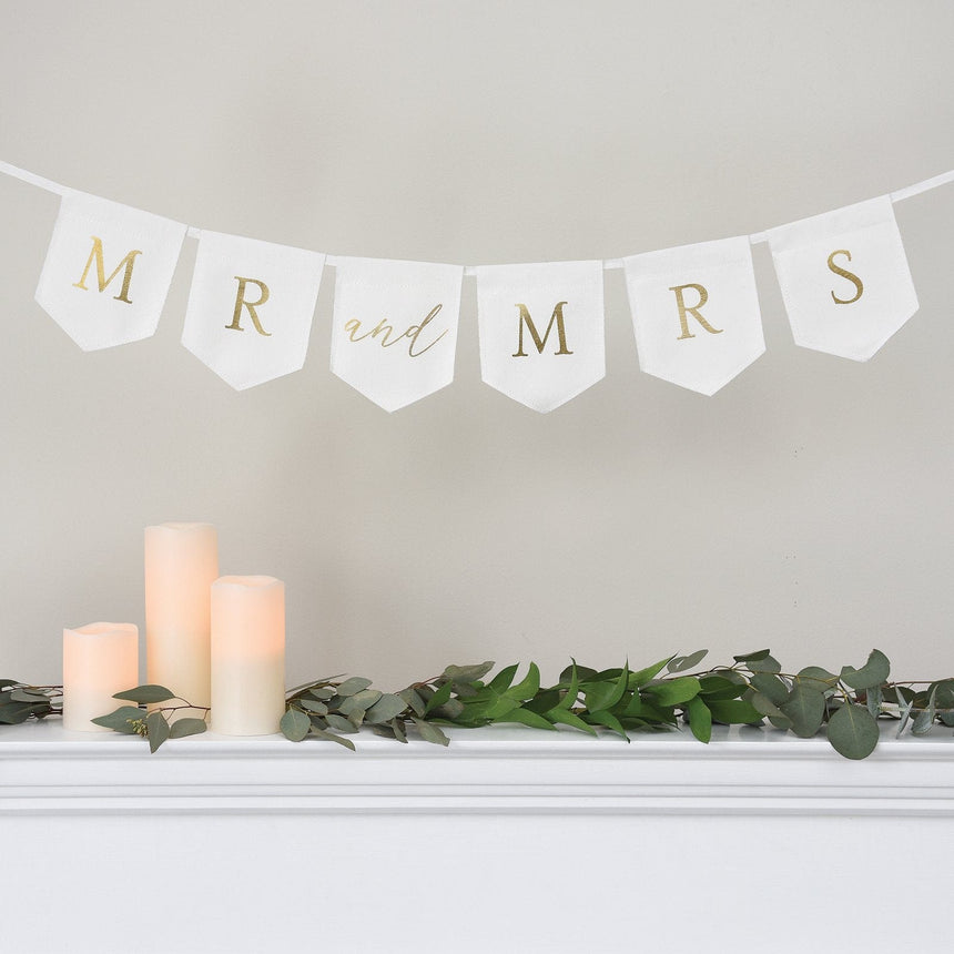 38585 Mr and Mrs Wedding Banner