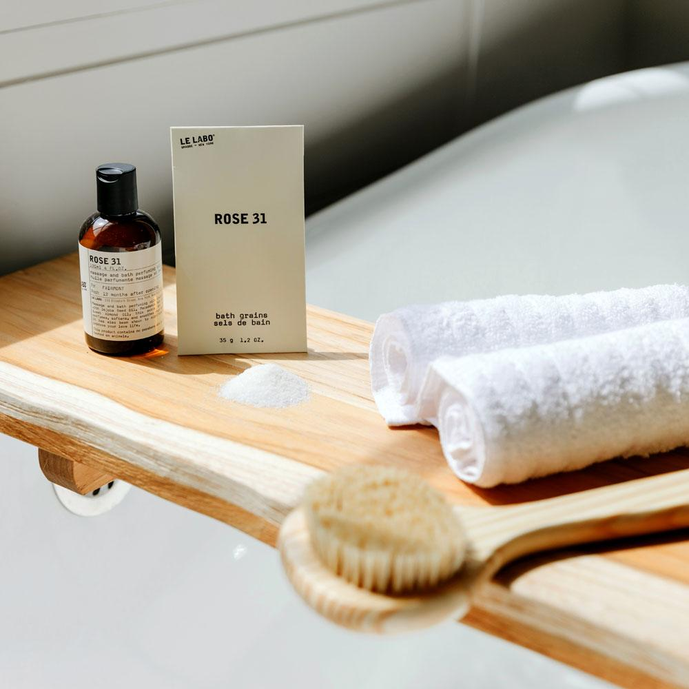 Le Labo Rose 31 Bath Salts set for a relaxing bath