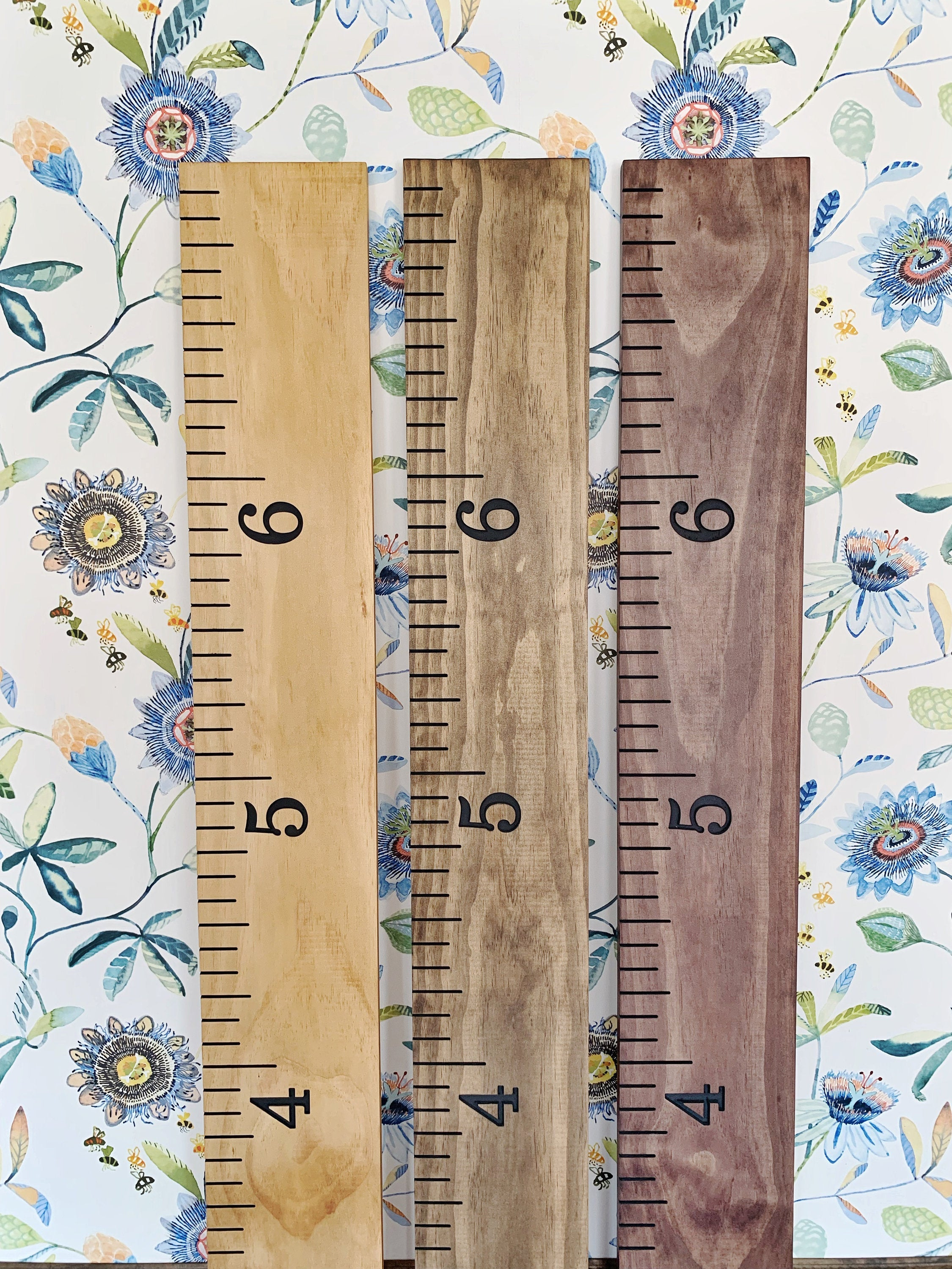 Engraved Growth Chart : Classic Gray