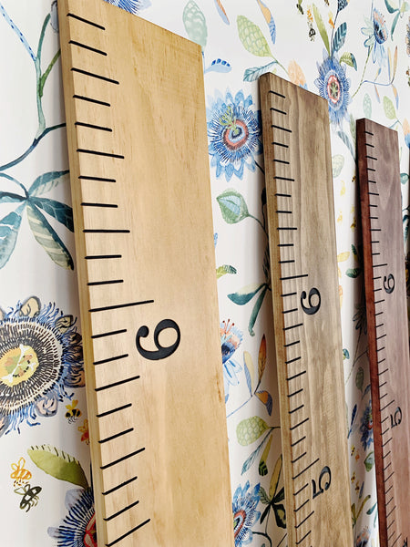Engraved Growth Chart : Carbon Gray