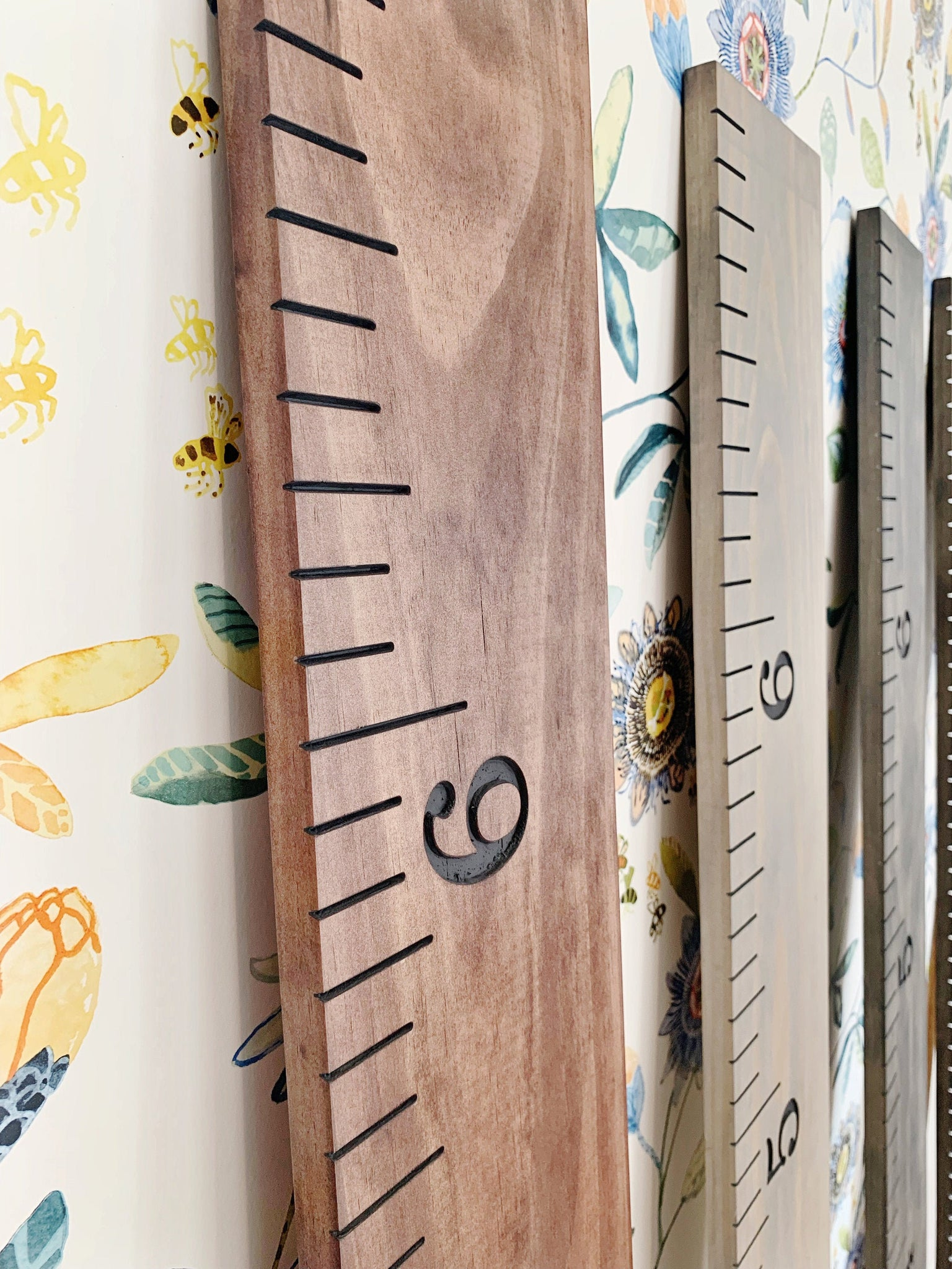 Engraved Growth Chart : Red Mahogany