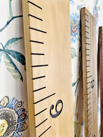 Engraved Growth Chart : Golden Oak