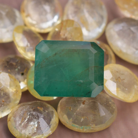 Image of 11.11 Ct Natural Emerald Gemstone