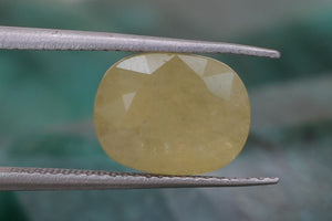 Best Quality Certified 4.42 Ct Natural Yellow Sapphire Gemstone