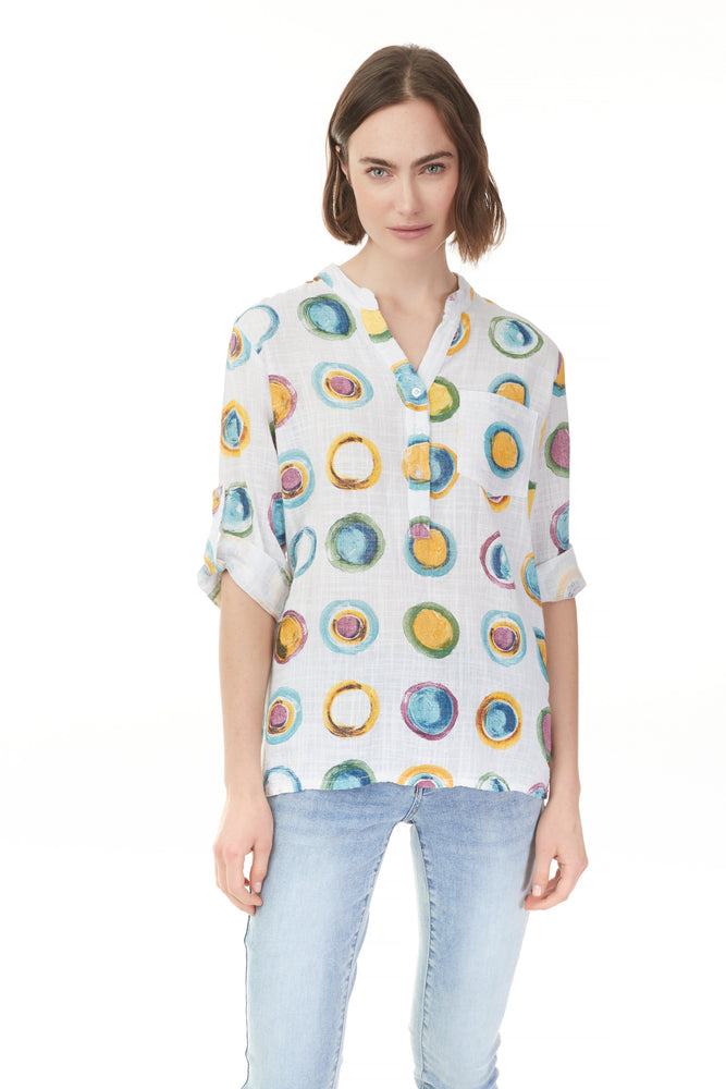 Pazazz circles popover blouse with v-neck and 3 buttons Shelburne