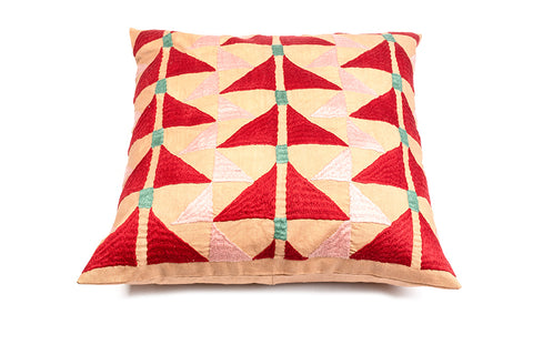 Sqaure Pukhtadozi Triangles Cushion