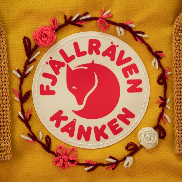 fjallraven-kanken-classic-embroidered-ochre-2