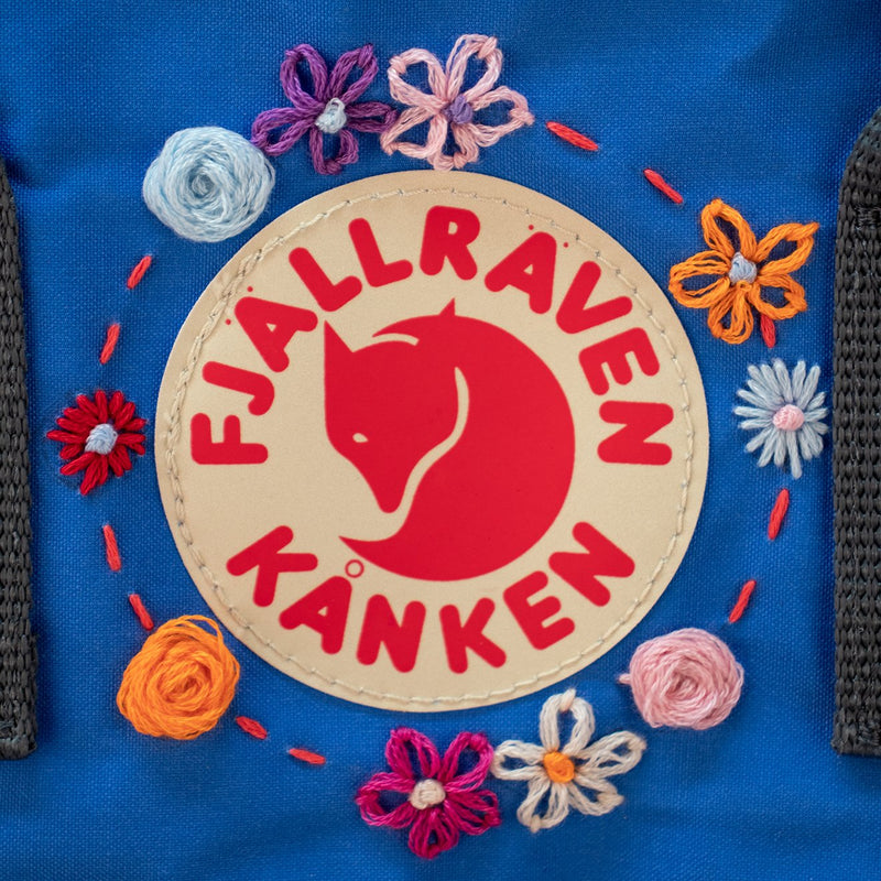 fjallraven-kanken-classic-embroidered-backpack-graphite-un-blue-2