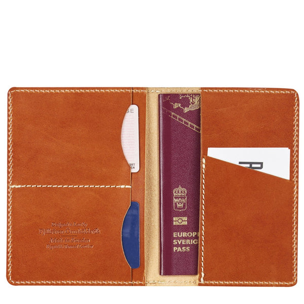 fjallraven-leather-passport-cover-leather-cognac-2
