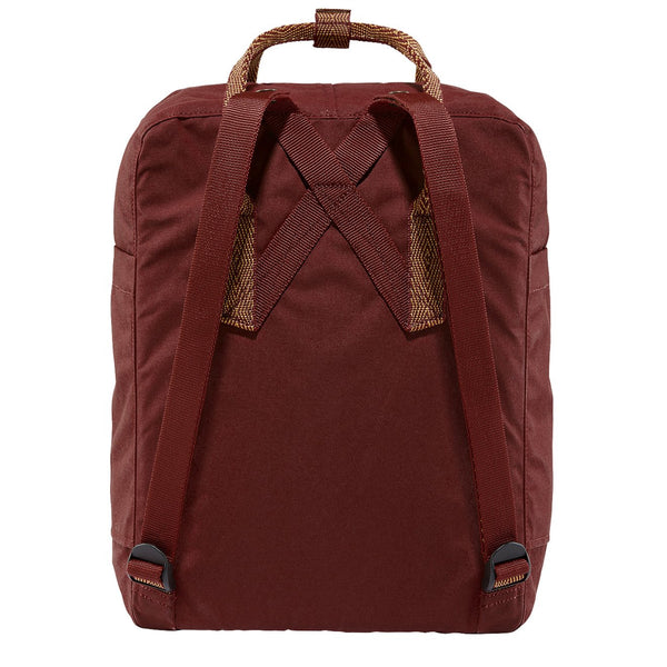fjallraven-kanken-classic-backpack-ox-red-goose-eye-2