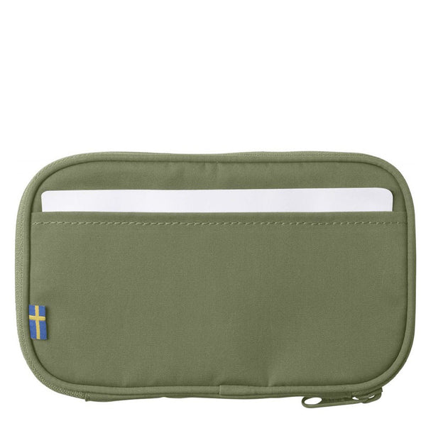 fjallraven-kanken-travel-wallet-green-2
