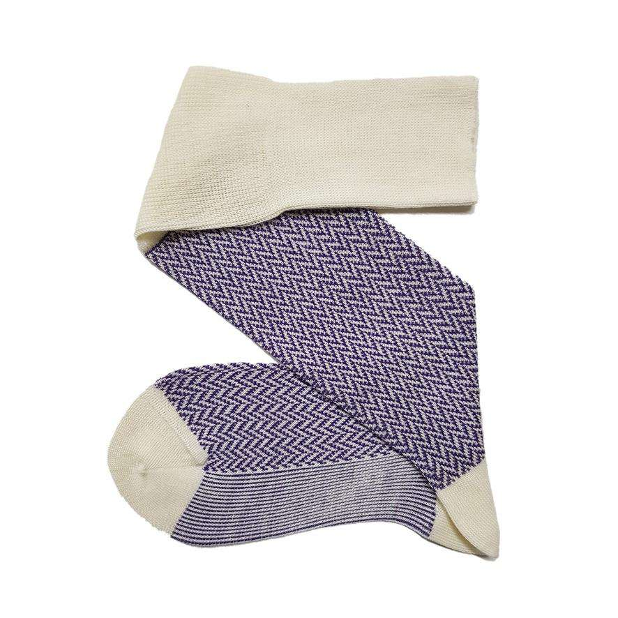 Knee highs in white / purple with herringbone pattern made of merino wool / silk