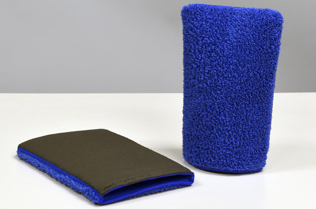 Two royal blue, Klaren clean fine grade microfiber wash mitt with an advanced synthetic clay bar surface.