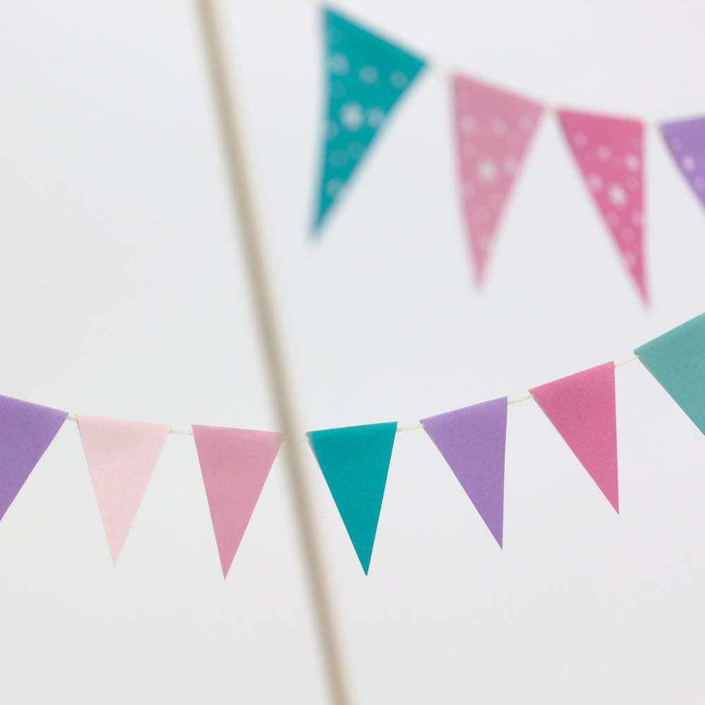 FREE Whimsical Mini Flags