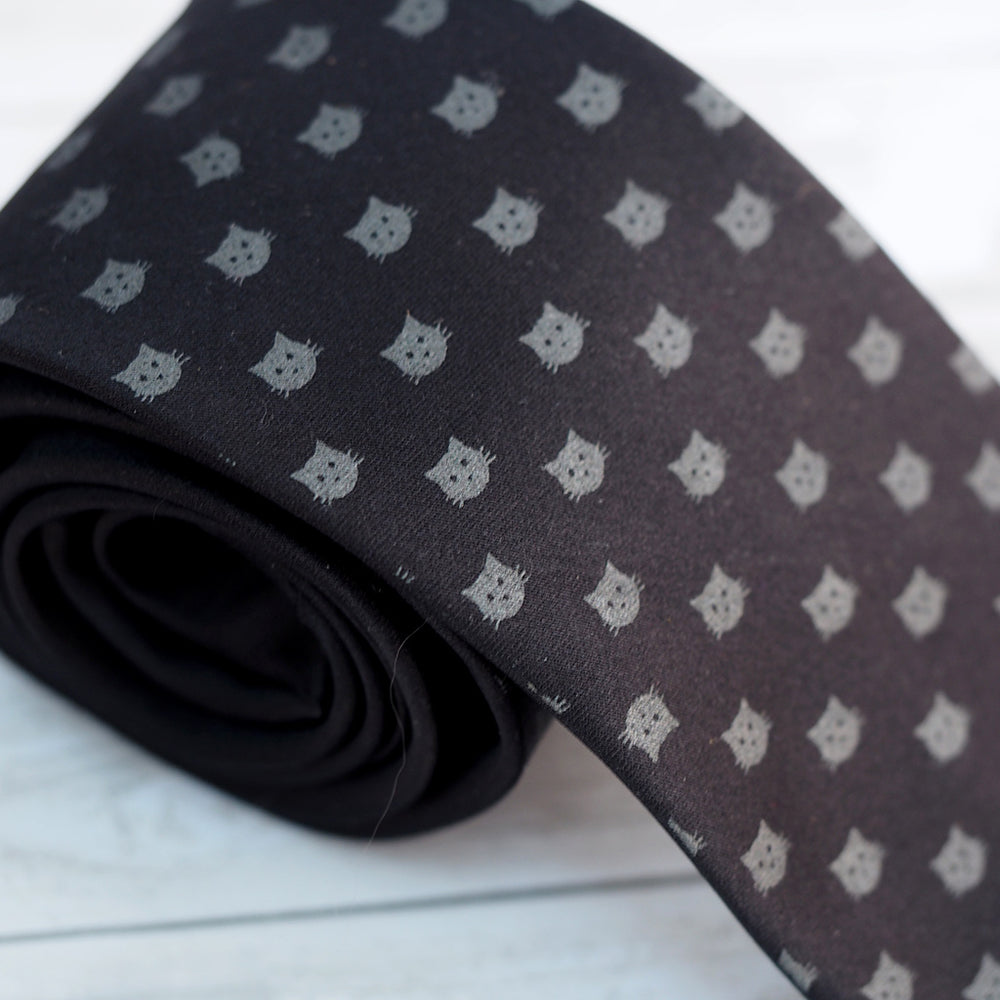 Cat Dots Necktie - Black