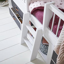 Little ladder for cabin bed