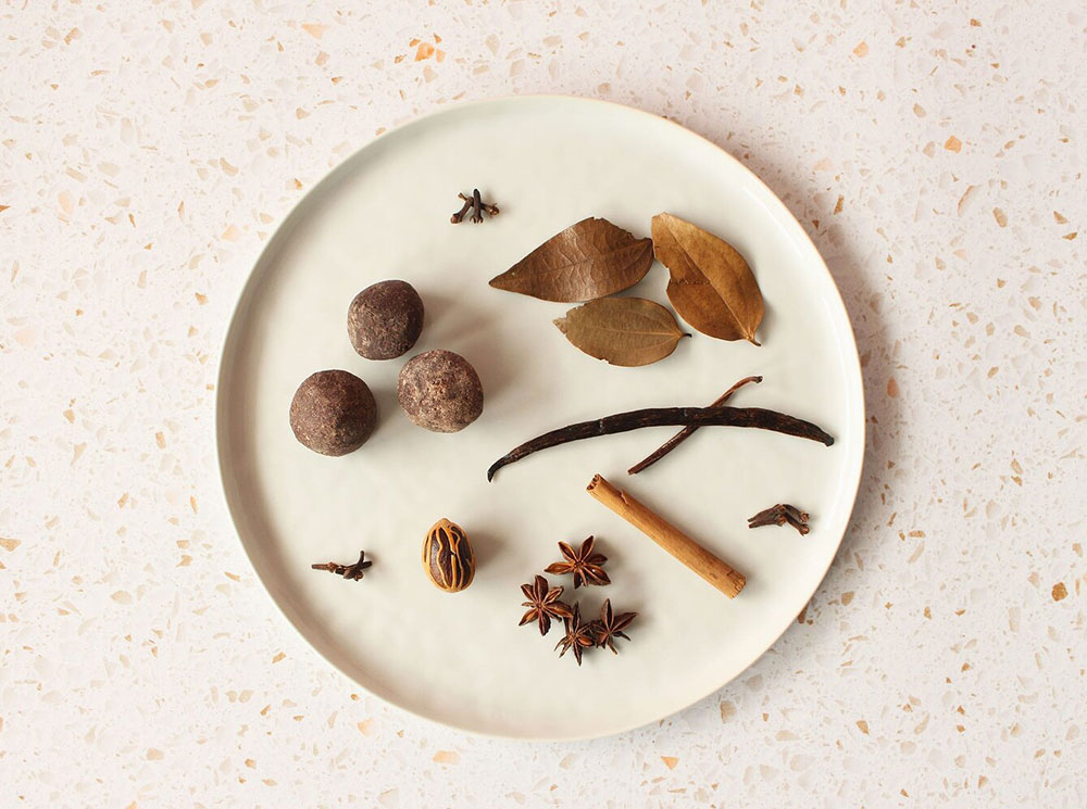 Image of plate with ingredients for cocoa tea