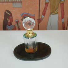 Load image into Gallery viewer, Collectable Crystal oil perfume bottle