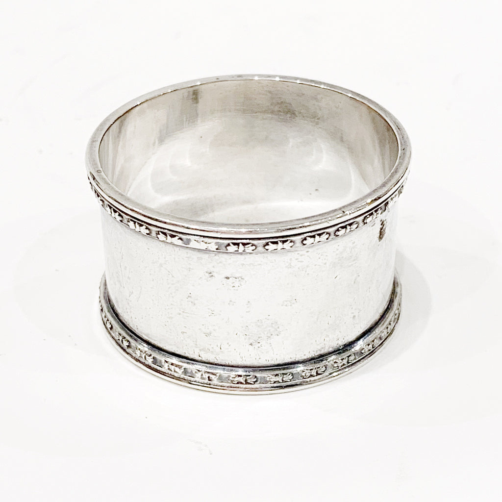 "Estate Collection Silver Plate - Napkin Ring W/Decorative Trim & Monogram ""LMO"""