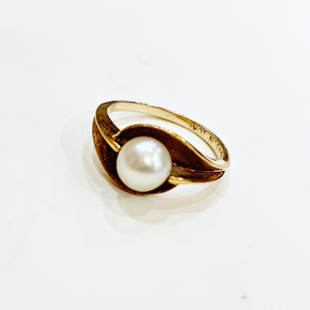 Estate Collection Ring - 10K Yellow Gold Single Cultured Pearl
