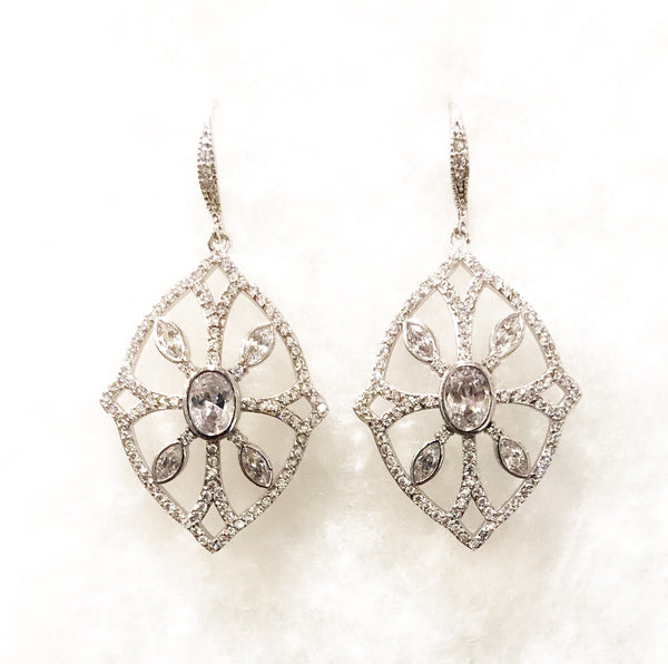 Earrings - Silver Open Center Wire w/Large Center CZ