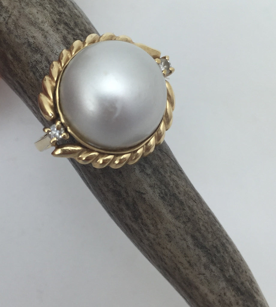 Estate Collection 14K Yellow Gold and Mabe Pearl Ring Appraised at $1250