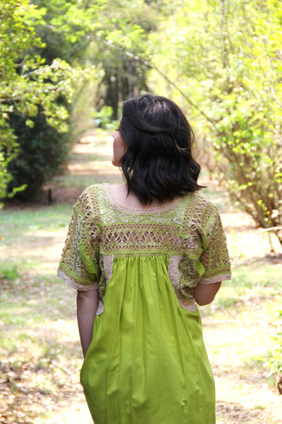 Fits up to an xl chartreuse with antique gold lace Mexican Wedding blouse Deshilado
