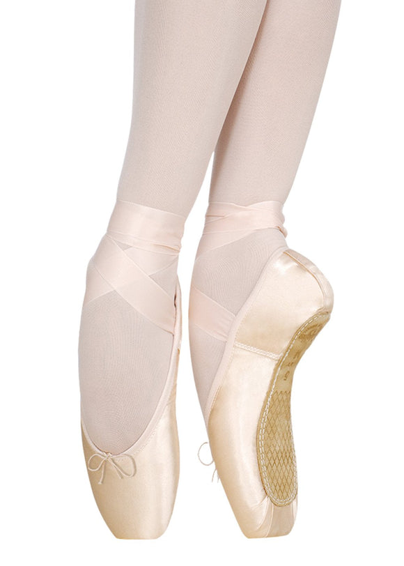 Miracle Pointe Shoe with Light Medium Shank