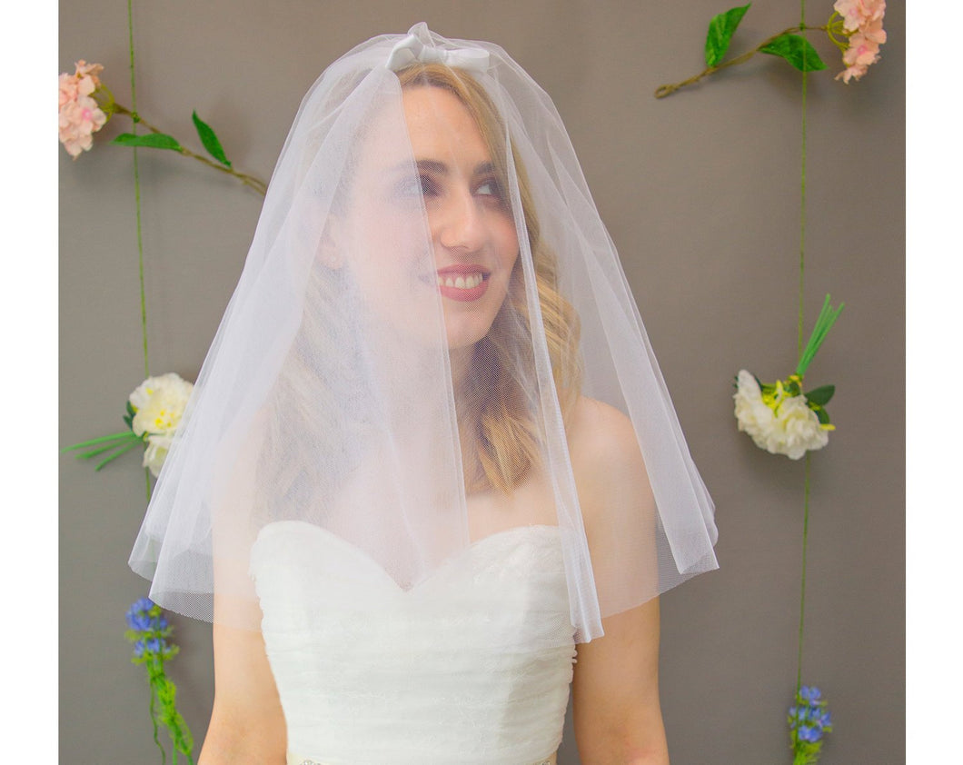 50s style short wedding veil with bow detail, Priscilla veil