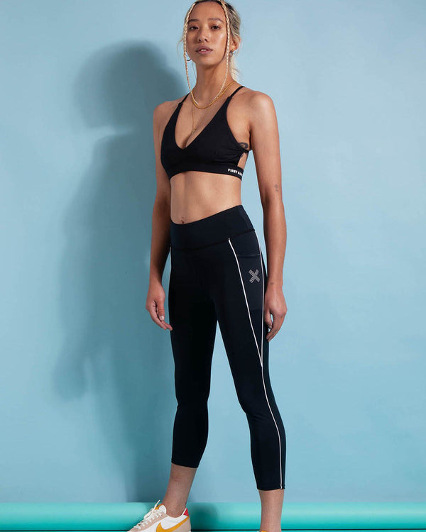 Front View of Model Wearing Flex 7/8 Legging