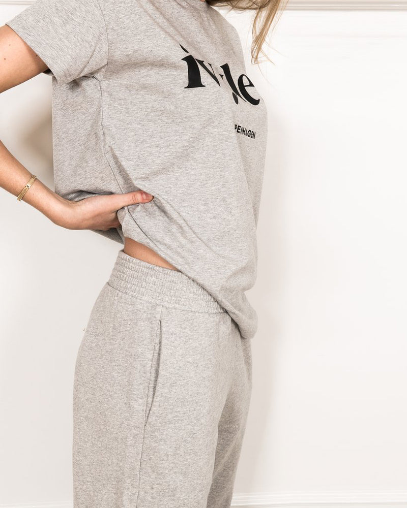 Luna Pant Grey Side Body