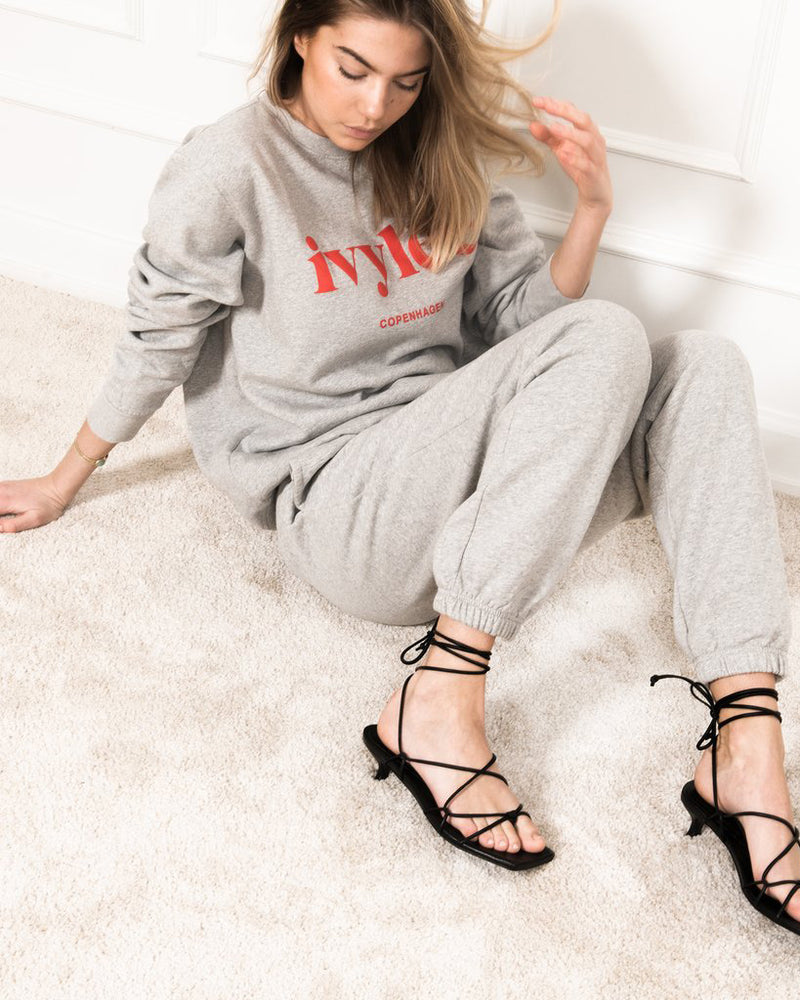 Luna Pant Grey Full Body