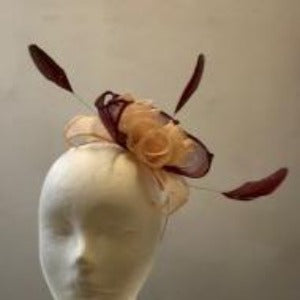 Small leaves and roses with feathers fascinator