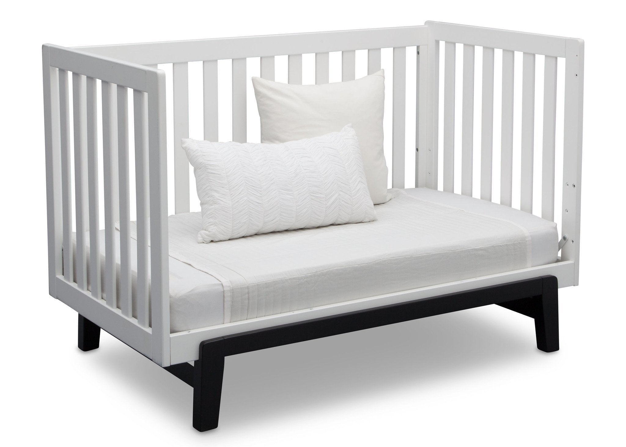 Delta Children Bianca White with Ebony (149) Aster 3-in-1 Crib, Daybed Conversion a7a