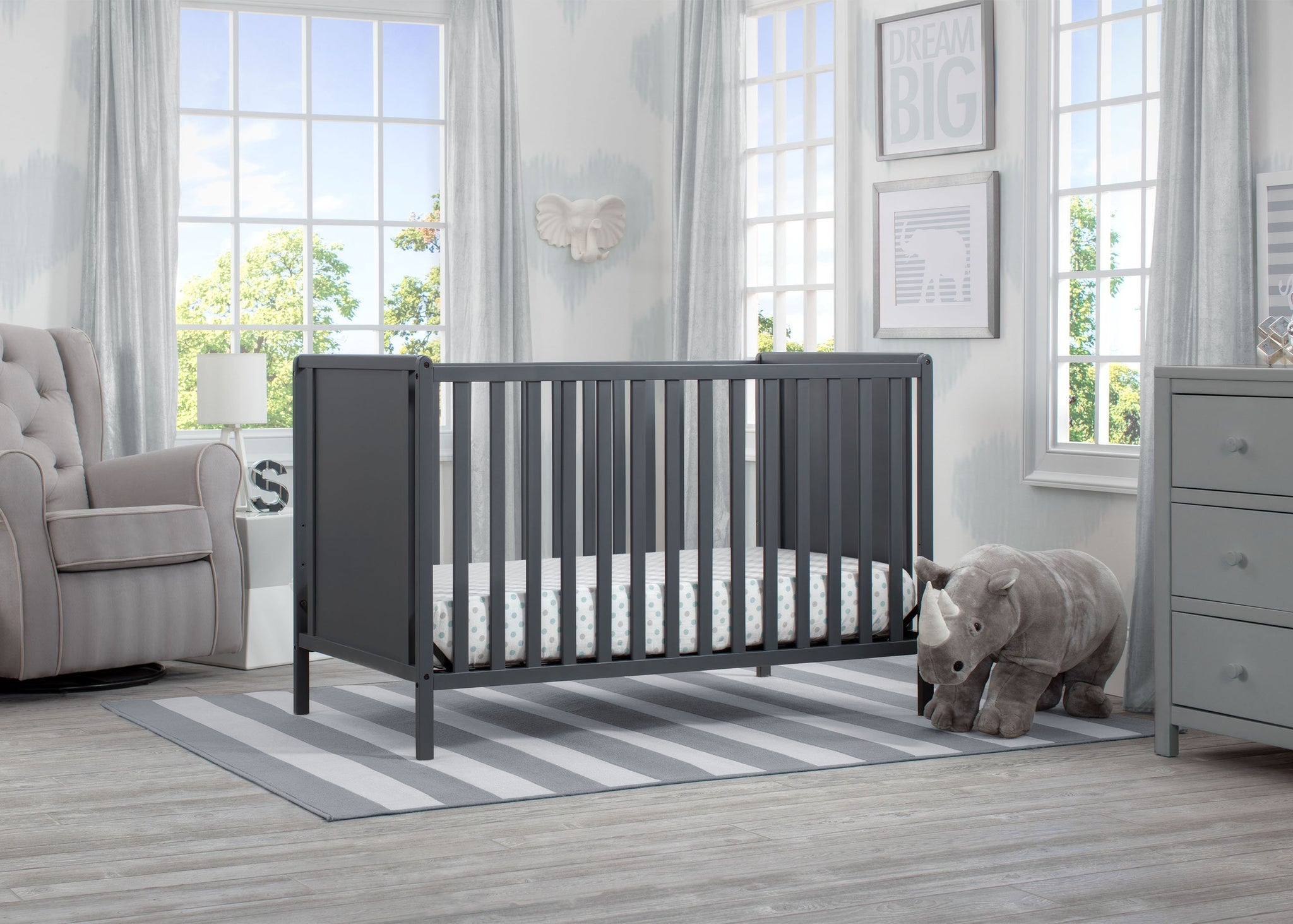 Delta Children Charcoal Grey (029) Heartland Classic 4-in-1 Convertible Crib, Room b1b