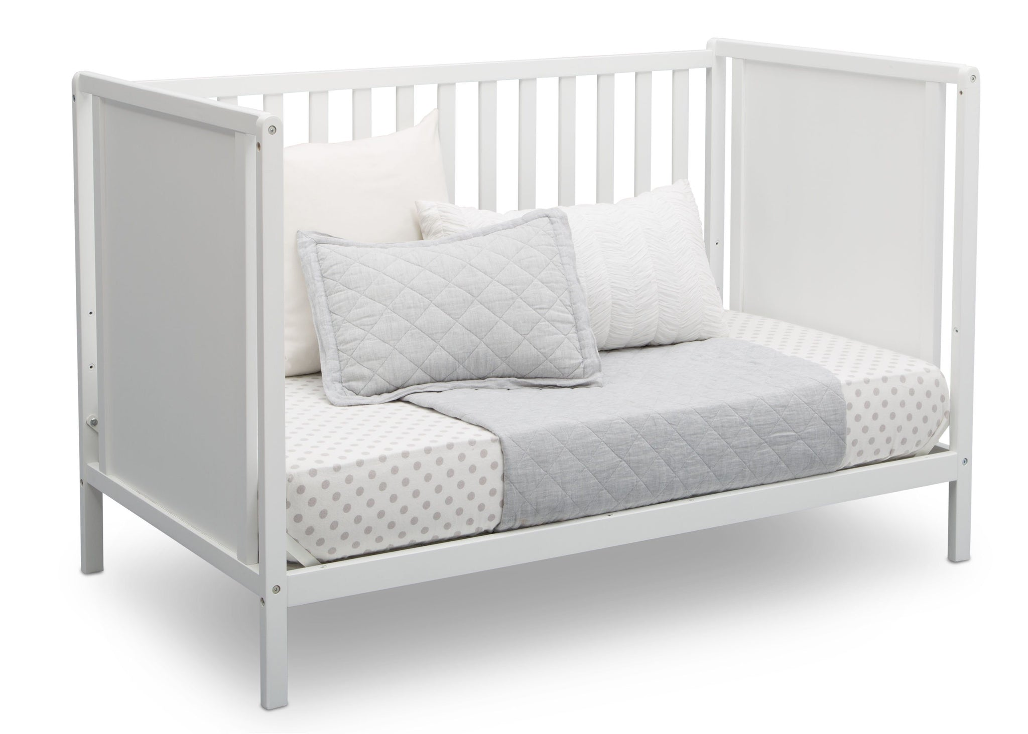 Delta Children Bianca White (130) Heartland Classic 4-in-1 Convertible Crib, Day Bed Angle, c5c