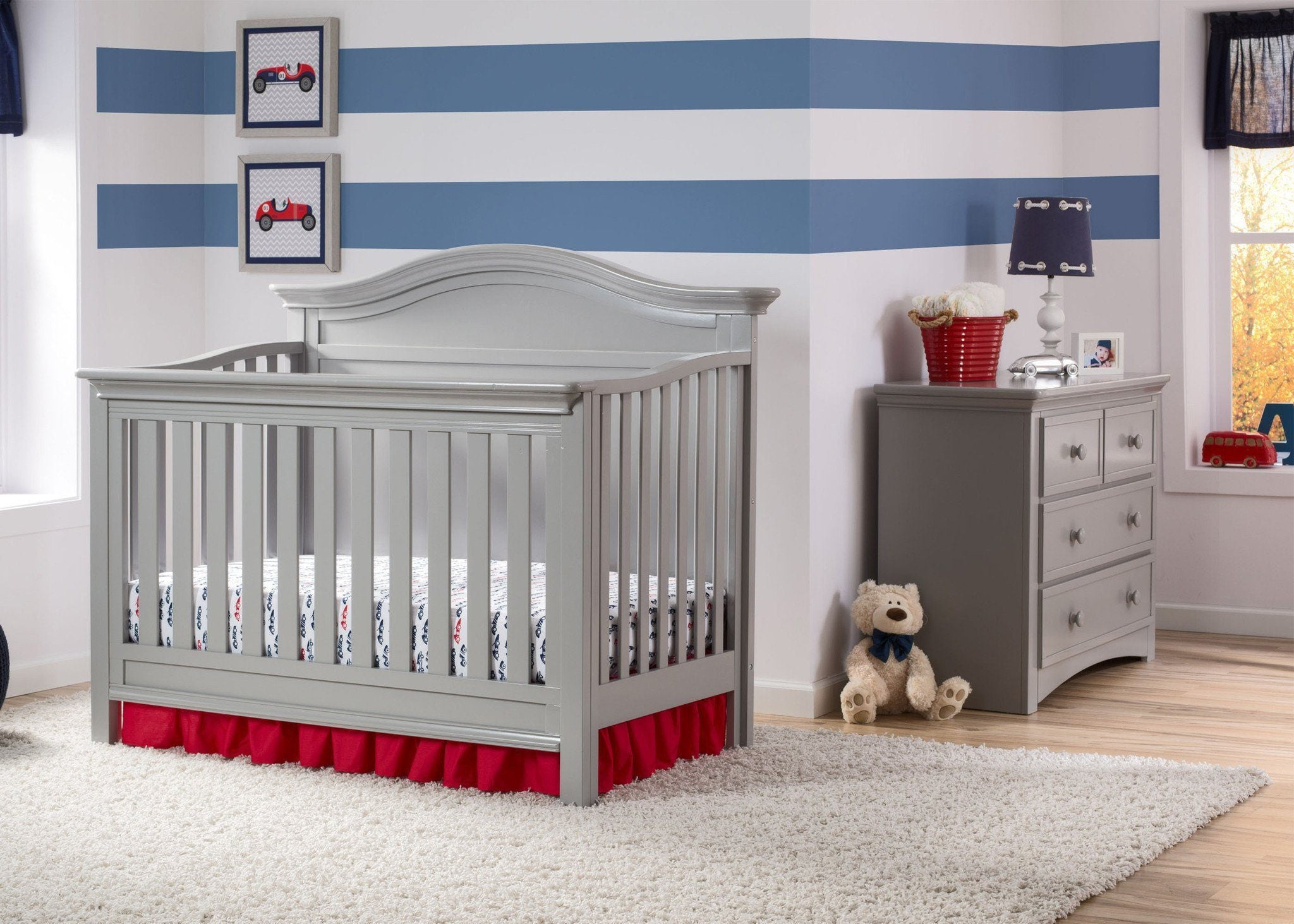Serta Grey (026) Bethpage 4-in-1 Crib, Room VIew