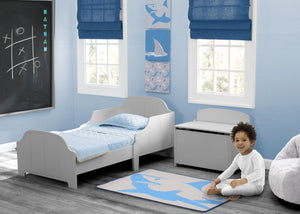 Delta Children Shark (3208) 3-Piece Canvas Wall Art Set for Boys, Room View