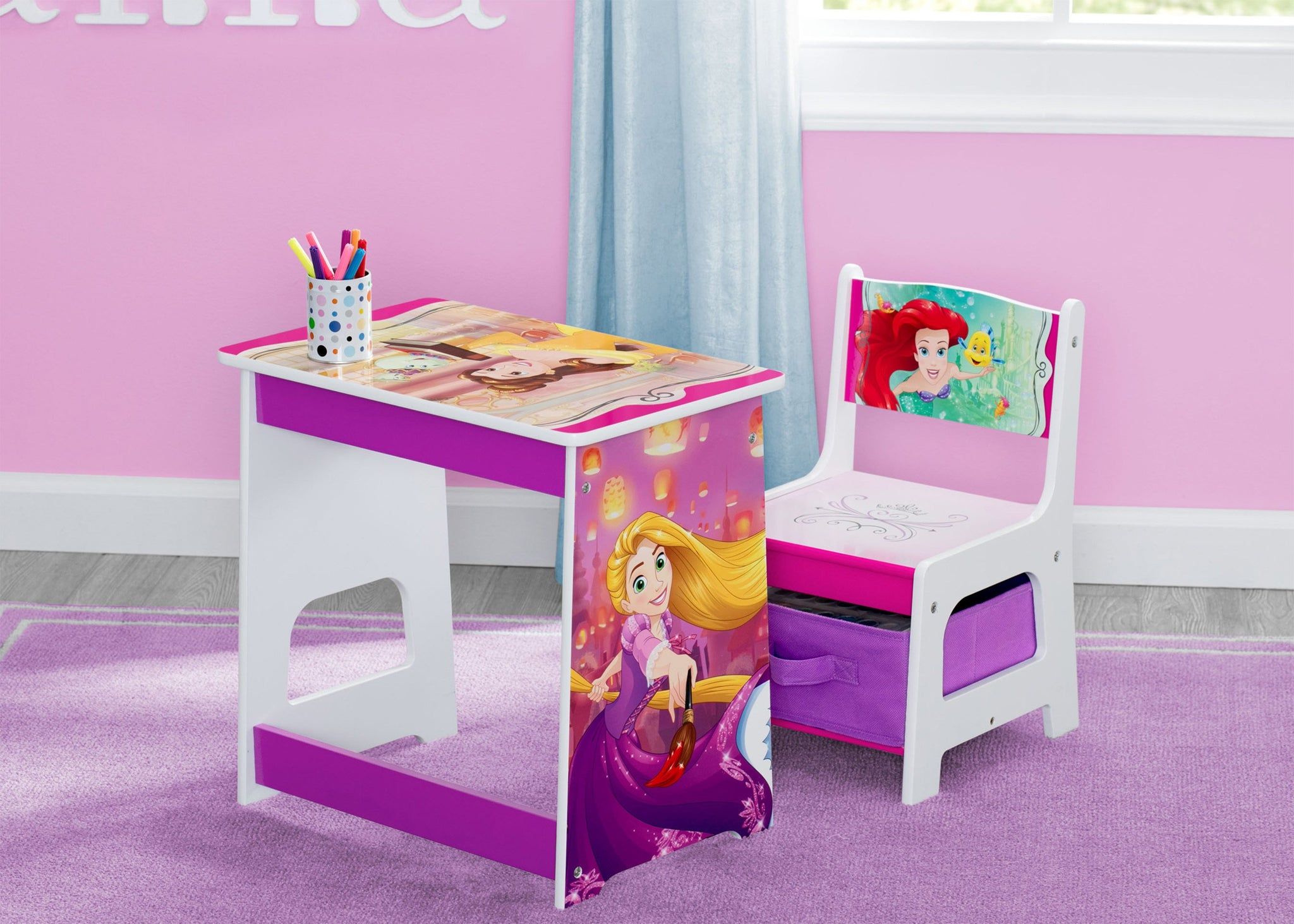 Delta Children Princess Kids Wood Desk and Chair Set, Hangtag View Disney Princess (1034)