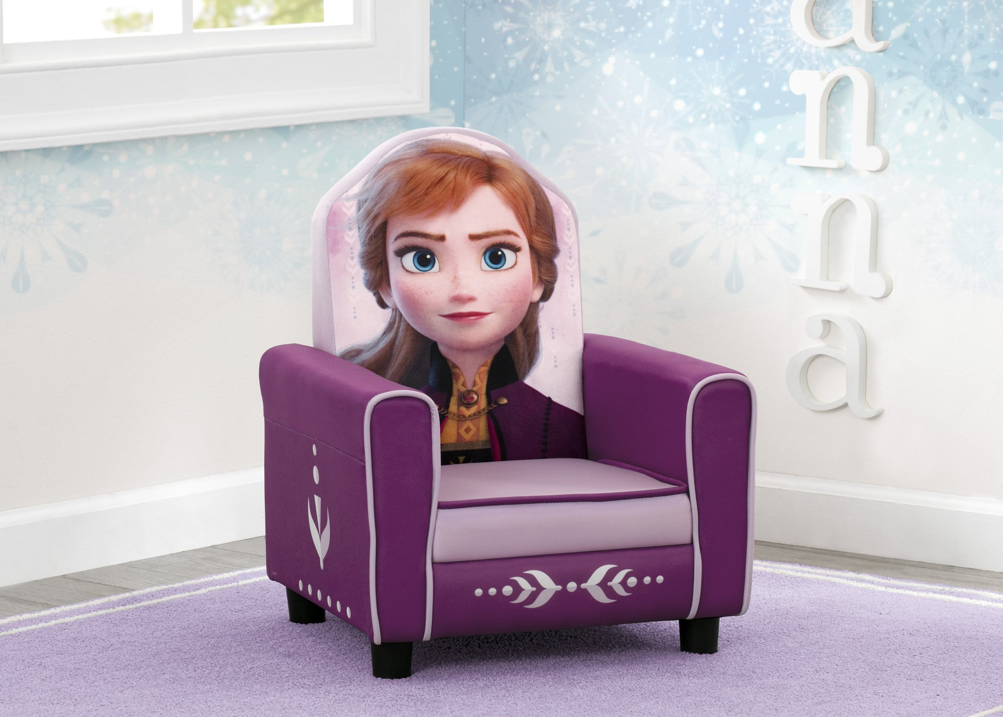 Delta Children Frozen II (1091) Anna Figural Upholstered Kids Chair, Hangtag View Frozen (1091)
