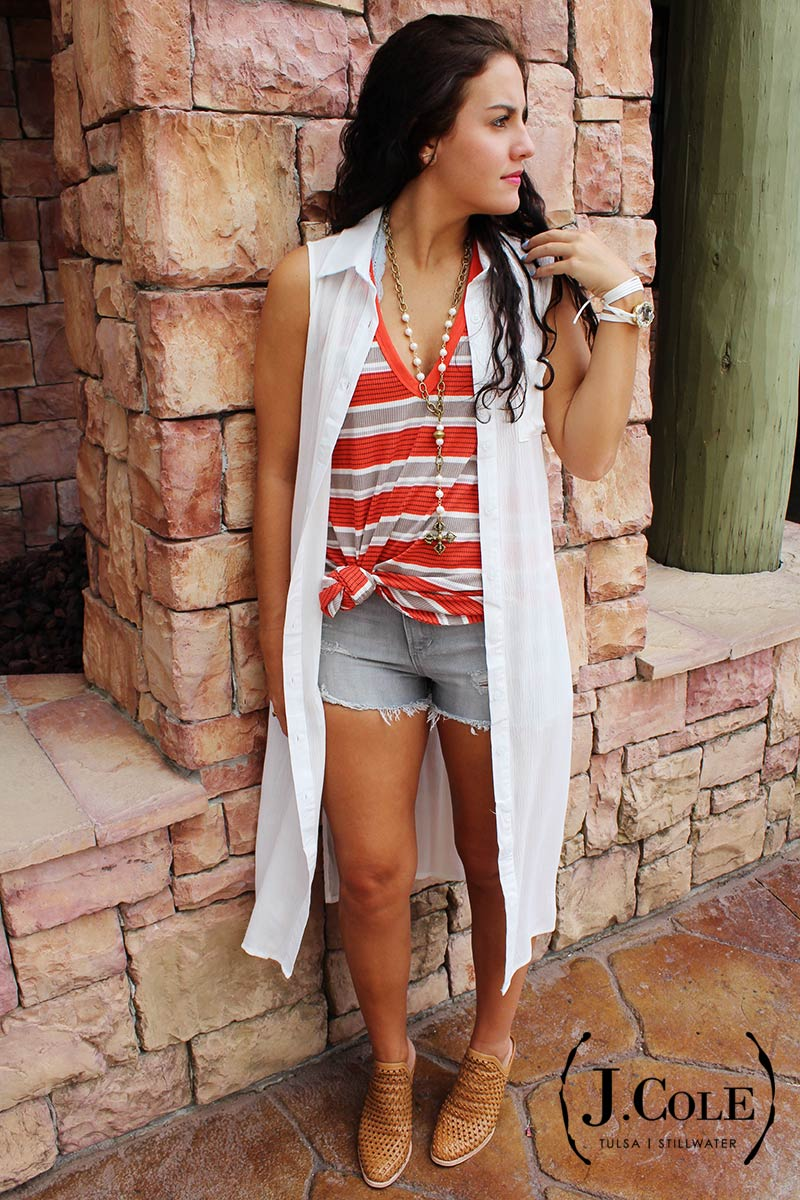 2d4288dd949 This outfit would look great with flats or booties