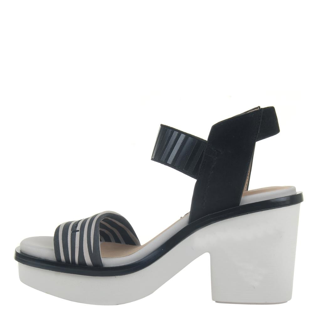 BASALT in ZEBRA PRINT, left view